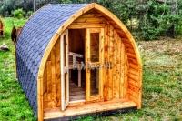 cabane en bois de camping dans le jardin